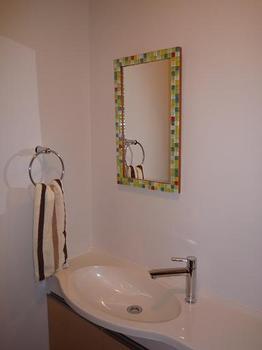 トイレの鏡2.JPG